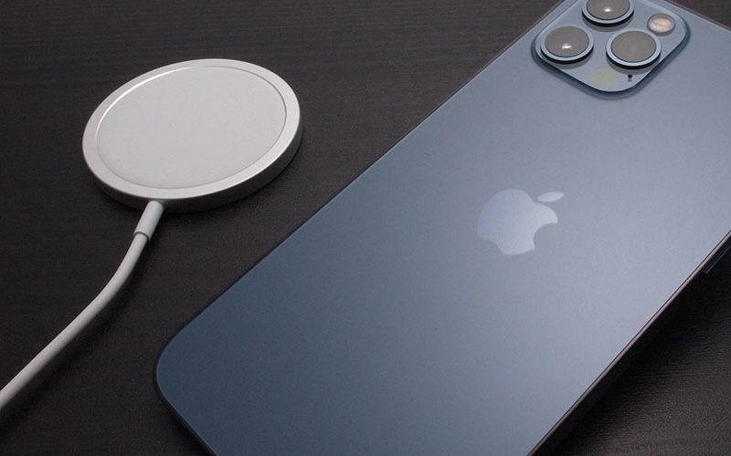 iPhone12のMagSafeを試した結果、Lightning端子がなくなる予感(2/3)